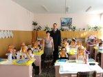 Более восьми тысяч детей из 15 школ в День знаний в качестве подарка получили дневники