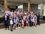 Игорь Николаев поздравил выпускников с окончанием школы